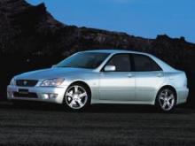 Toyota Altezza Седан