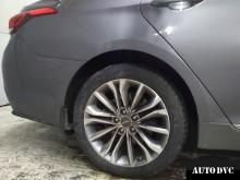 Hyundai Genesis установили задние проставки