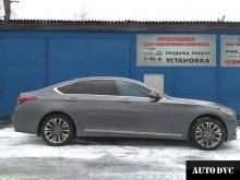 Hyundai Genesis установили проставки Общий вид