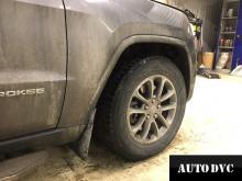 Передняя часть Jeep Grand Cherokee до установки проставок